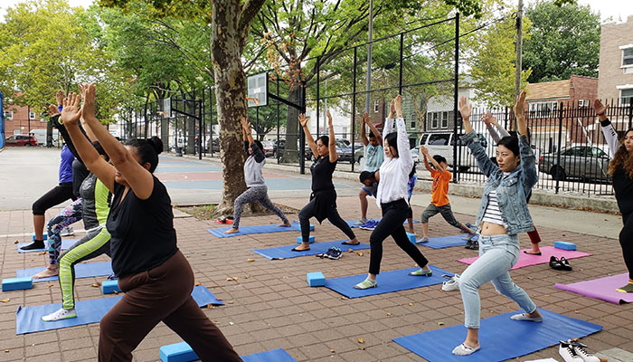 Nutrition and Yoga Class in the Park